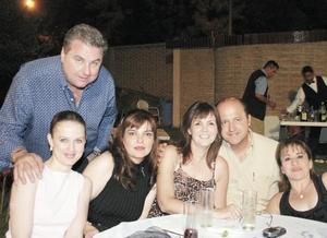 Luis y Rocío Dugay, Martha Dávila, Sergio y Ana Laura de la Garza y Gloria Espada