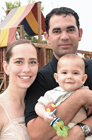 Lizeth Aguiñaga de Helguera, Ramón Helguera y Santiago Helguera Aguiñaga