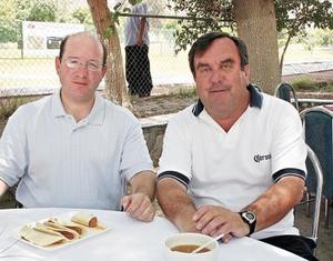 Ernesto Acosta y Manuel Buenrostro