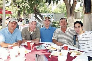 David Holguín, Aldo Flores, Bernardo Treviño, Ramiro Saldaña y Alejandro Riddle