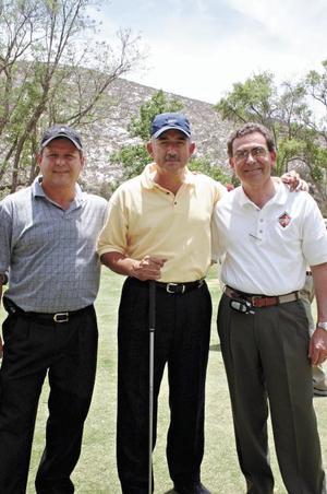 CAMPESTRE GOMEZ Gerardo Castellón, Gerardo González Dueñes y Javier Amarante