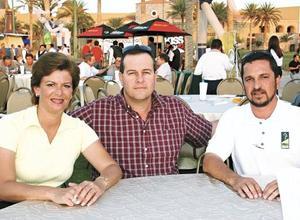 Victoria Murra, Alfredo Murra y Fernando Martínez