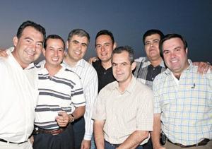Rogelio Saldaña, Alfonso Saldaña, Ricardo Muñoz, Eduardo Barrios, Eduardo Ortuño y Carlos Cabranes