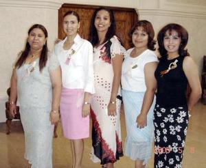 Alejandra Salas de Vargas, Susana Ramírez de Balderas, Esperanza Salas de Pereida, Rosario Flores de De Ávila y Nancy Alfaro de Leyva en pasado acontecimiento social