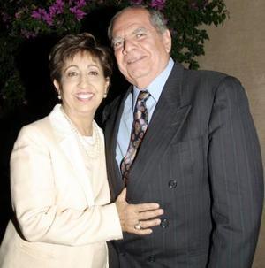 José Luis López Romo y Patricia Meléndez de López celebraron sus  40 años de casado