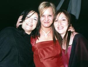 <b>14 de mayo </b> Marcela Sáenz, Stafonia Ganther y Ana Márquez, presentes en una boda