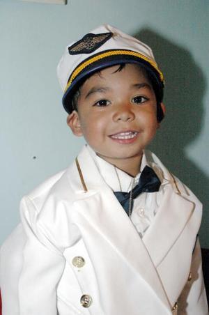 Luis David Salvador Morales Salas.