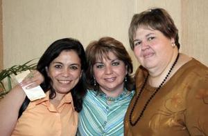 Janet Arce, paulina Rebora y magda Murra de Ochoa.