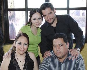 Luly Verdeja Rubio gozó de la compañia de Francisco Zamora Martínez, Francisco y Cinthia Zamora.