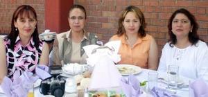 Norma Soto, Mayela Puente, Cecilia de Sabag y Adriana de Dávila.