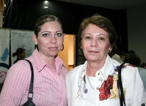 <b>15 de mayo </b><p>  Cristy Vargas y María Cristina Arriaga.