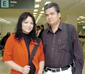 Rosario Piedra y Enrique Puente, viajaron a México