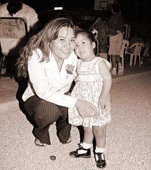 Aracely Antuna y Wendy Antuna.