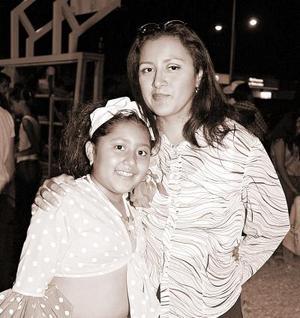Mónica Villegas y Ana Silvia Torres.