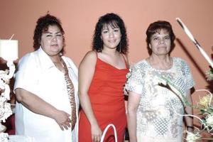 Érika Pérez Acosta disfrutó de una fiesta de despedida de soltera que le organizaron María Elena Mireles y Ana María Acosta.