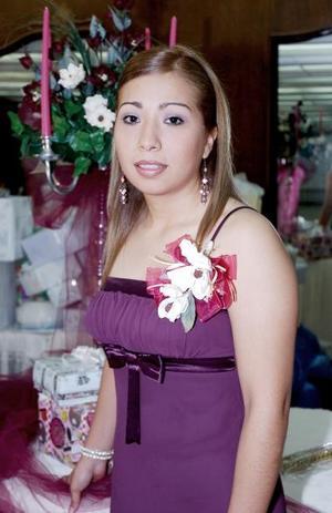 <b>15 de mayo </b><p> Nuria Monserrat Cárdenas del Valle contraerá matrimonio en breve.