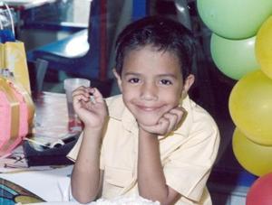 Diego Ibarra López cumplió seis años de vida y lo celebró con una piñata que le ofrecieron sus papás, José Ibarra y Martha López.