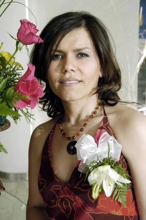 <b>17 de mayo </b><p> Silvia Padilla Velazco contraerá matrimonio en breve.