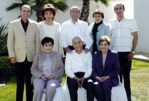 Don Raúl Sifuentes Ugalde y Sra. Alejandrina Guerrero de Sifuentes con sus hijos Gerardo, Alejandra, Raúl, Alma, Delia, Jaime y Lourdes