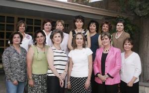 En días pasados se reunieron las socias del Club de Jardinería Casandra para realizar el cambio de mesa directiva que hico entrega a Georgina de Salmón a la nueva presidenta Leticia de Abusaid.