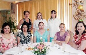 Francine Monette, Juana de Gómez, Xóchitl de García, Lorena de Fisher, Lily de Fuentes, Paty de Meléndez y Esperanza de Carreón en reunión en honor de Pilar de Ramírez.