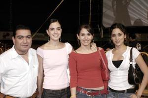 Vicente Reyes, Karen Rojas, Karla Martínez y Any Díaz.