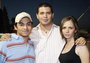 <b>17 de mayo </b> Ricardo Serrano, Luis Gilio y Bárbara García.