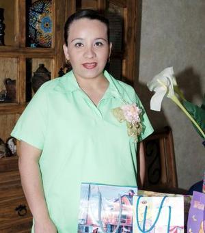 <b>16 de mayo </b> <p> Susana Bardán de Guajarado espera el nacimiento de su bebé para fecha próxima