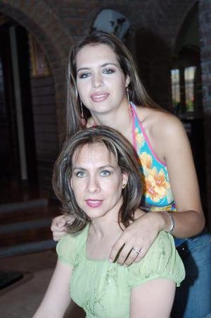Juany  Alonso de Allegre y su hija Anabel