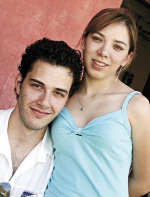 <b>18 de mayo </b><p>  Giorgio Aronis y Jéssica Flores.