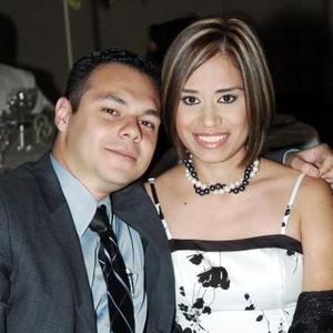 <b>19 de mayo </b><p> Roberto López García y Cynthia García de López.