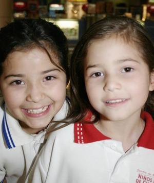 Mónica López y Cristina López.