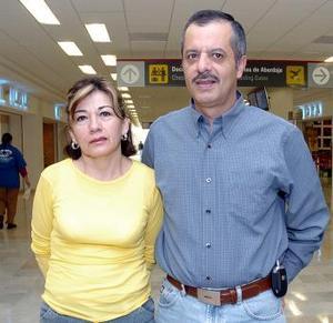 <b>18 de mayo </b> <p>  Patricia Palacios y José Luis Hernández viajaron a la Ciudad de México.