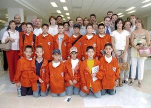 <b>19 de mayo </b> <p> Un grupo de jugadores pequeños viajaron al DF y fueron despedidos por sus padres.
