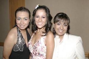 Bertha Aguilera junto a Magda Navarro e Irene Enríquez de Serna.