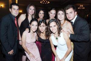 Carlos, Jessy, Deborah, Marcela, Andrés, Tena, Mariana y Fernanda