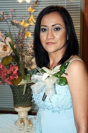 María Luisa Niño de Rivera, captada  en su primera despedida de soltera.