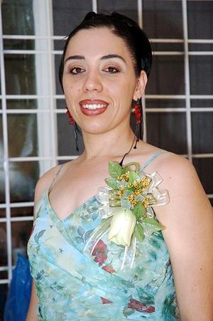 Por su cercano matrimonio con Paul Iván Lozano, Claudia Edith Hinojosa Góngora recibió felicitaciones.