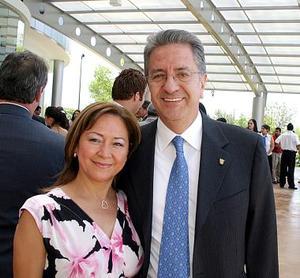 Josefina Hernández de López y Federico López.