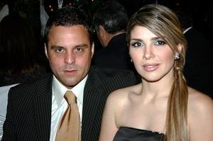 <b>22 de mayo </b><p>  Toño Ortiz y Eva Aranda de Ortiz.