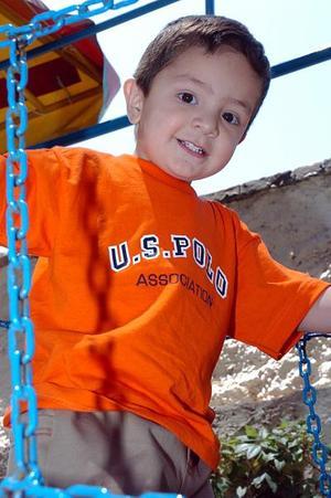 Luis Alberto Morales Vega, en reciente convivio infantil.