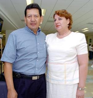 <b>23 de mayo </b><p> <p>Gerardo Montero viajó a Alemania y fue despedido por María Elena Cabello.