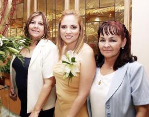 <b>23 de mayo </b><p>   Adriana Yáñez Quiñones  disfrutó a una despedida de soltera que le organizó sus suegra, Yolanda Chávez Torres, con motivo de su próximo enlace matrimonial.