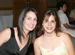 Ileana Garza y Laurencia González, en reciente acto social.