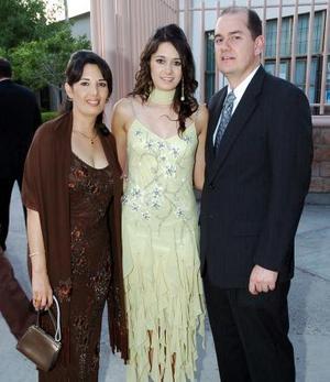 W-Claudia Reed de Rebollo, Claudia Rebollo y Francisco Rebollo