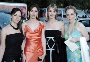 Regina Ibargüengoitia, Katia Madero y Alejandra Martínez, cortar la de azul con verde