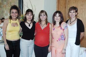 Charo Sánchez, Claudia Cárdenas, Sonia Santos y Vero Armendáriz le organizaron una fiesta de canastilla a Myrna Armendáriz de De la Garza, en honor al bebé que espera.