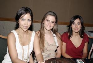 Ale de García, Dora de García y Claudia Estrada, fueron captadas en pasada reunión social.