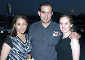 Michelle Eng, Juan José Iparrea e Ilse Iparrea.