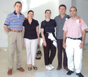 <b>26 de mayo </b><p> Alejandro González, Lourdes Rebollo, Marisol García, Miguel Ángel Murillo y José Luis viajaron a Cancún